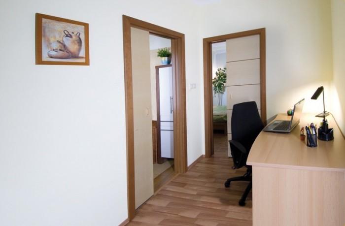 Posuvné interiérové dveře
